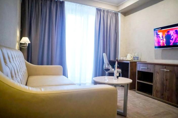 Люкс двухместный двухкомнатный Amza Park Hotel