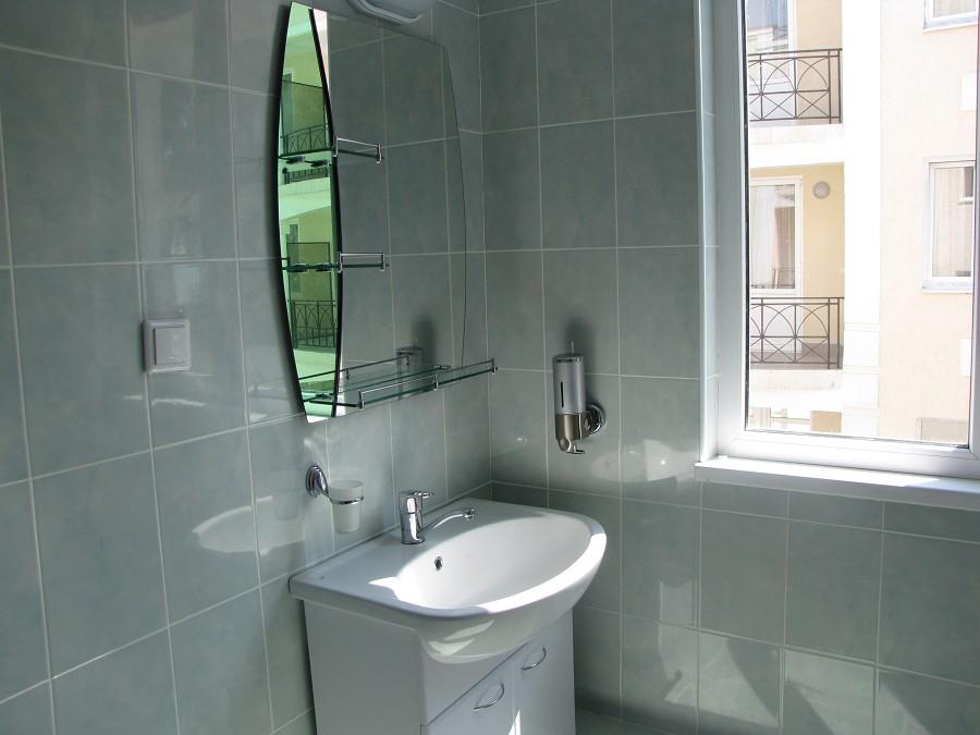 Туалетная комната Стандартного номера в 3-этажных корпусах №1 и №2 отеля Анакопия Клаб, Абхазия, Новый Афон, Приморское