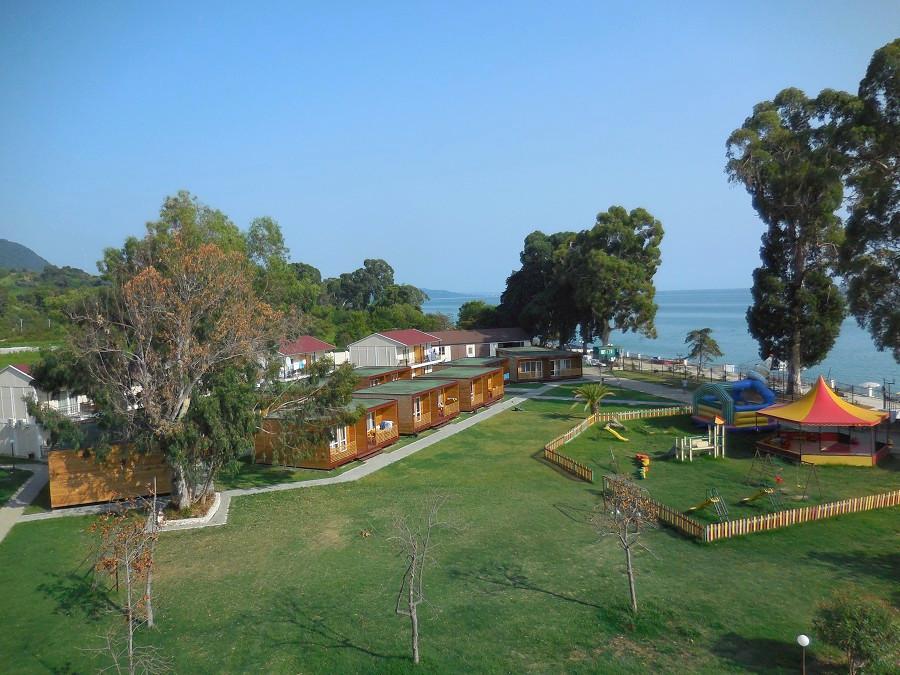 Территория отеля Анакопия Клаб, Абхазия, Новый Афон, Приморское