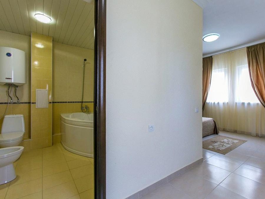 2-местный номер повышенной комфортности в 2-этажном коттедже отеля Анакопия Клаб, Абхазия, Новый Афон, Приморское