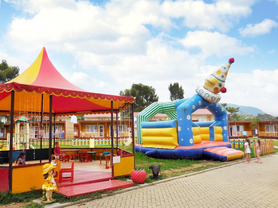 Детский игровой городок отеля Анакопия Клаб, Новый Афон, Абхазия