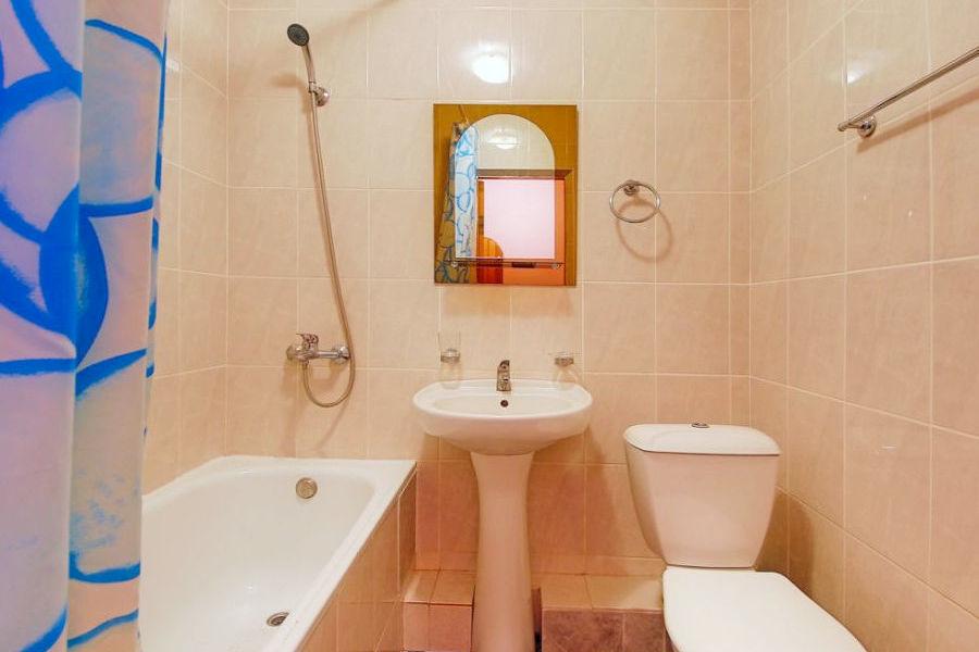 Туалетная комната Стандартного номера 1 категории в апарт-отеле Анапа