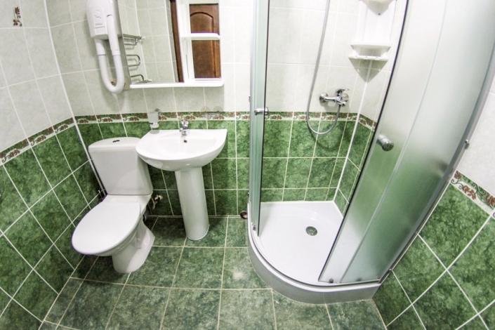 Туалетная комната номера Люкс санатория Анапа-Нептун