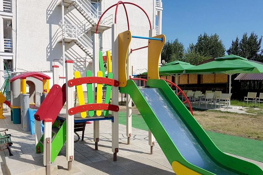 Детская площадка пансионата Анапский бриз