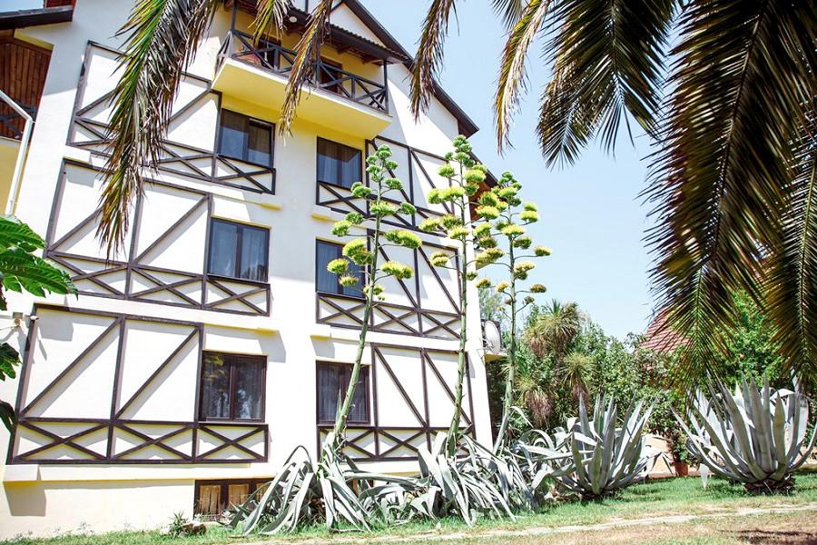 4-этажный корпус гостиницы Апсара, Пицунда, Лдзаа