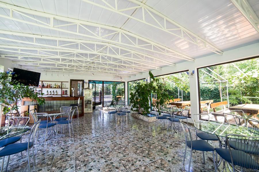 Летнее кафе гостиницы Апсара, Пицунда, Лдзаа