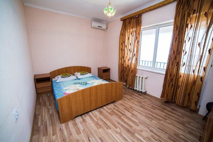 Четырехместный двухкомнатный номер с балконом пансионата Апсны-Абазашта