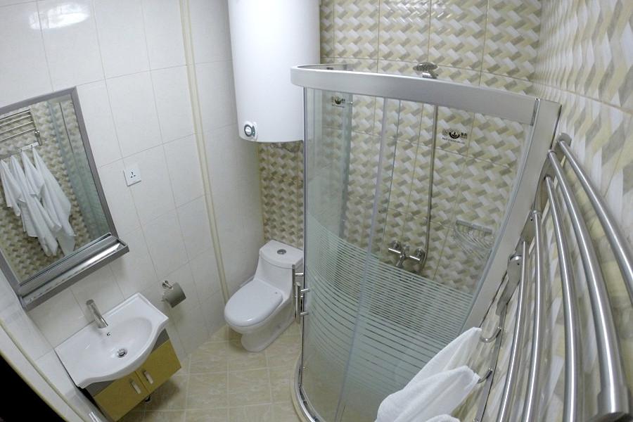 Туалетная комната Стандартного номера в Новом корпусе базы отдыха Апсны