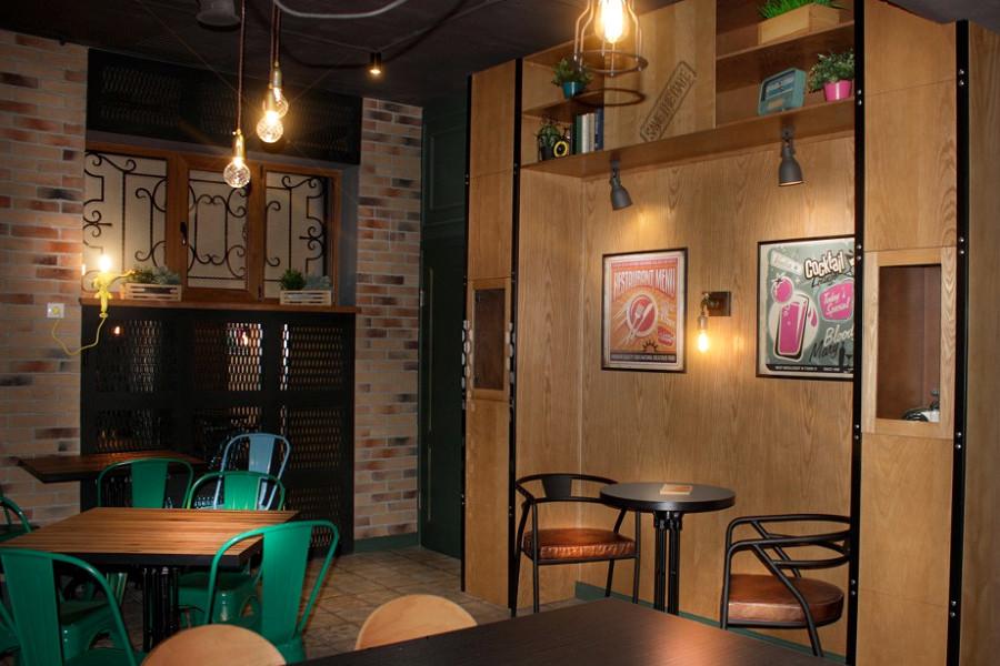 Кафе отеля Apsuana Rose, Гагра, Абхазия