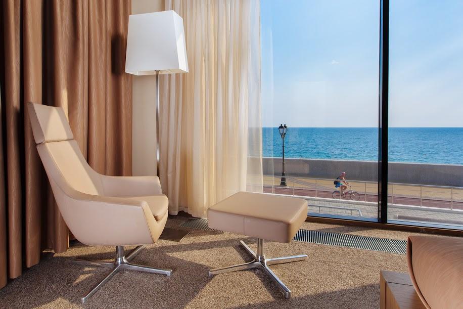 Делюкс 2-х местный с видом на море и большой террасой в вилле парк-отеля Арфа, Сочи, Адлер