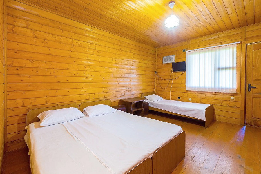 Стандартный номер на 2 и 3 этаже 3-этажного корпуса гостиницы Арго