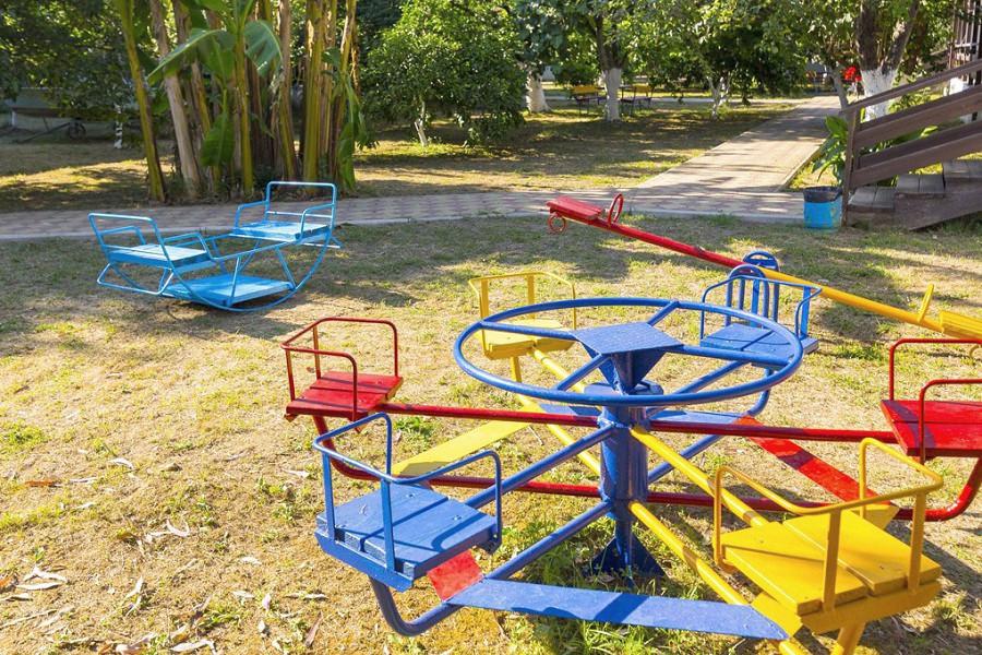 Детская площадка гостиницы Арго