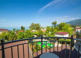 Вид с балкона номера гостиницы Арстаа