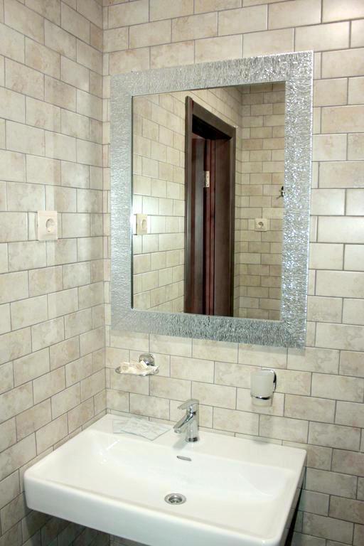Туалетная комната в номере отеля Ашамта