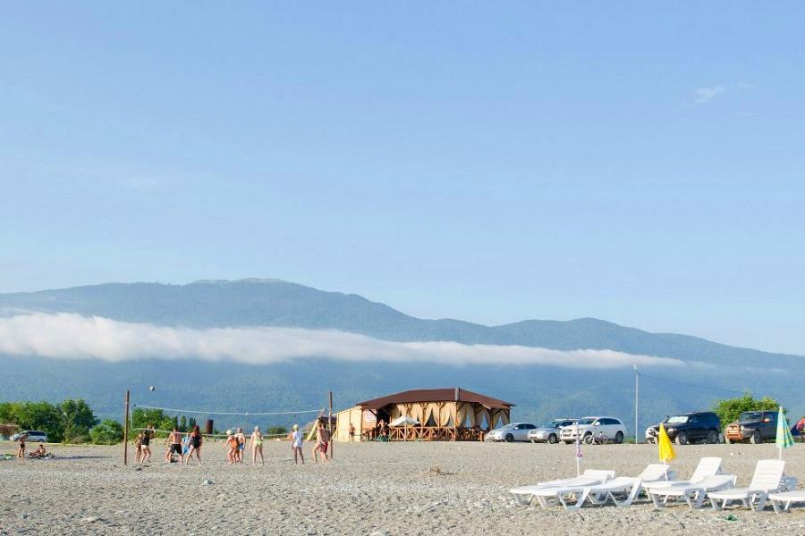 Пляж поселка Алахадзы, Пицунда, Абхазия
