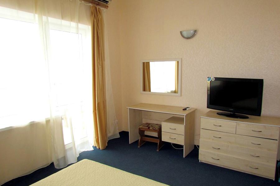 Люкс четырехместный двухкомнатный, Корпус Море гостиницы Ассоль