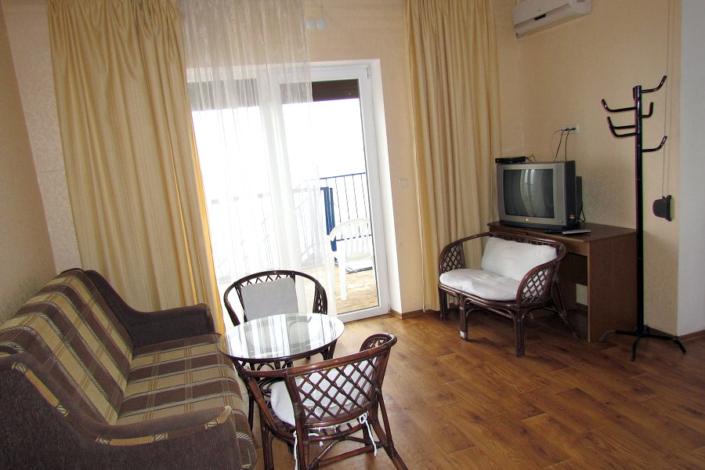 VIP четырехместный двухкомнатный, Корпус Море гостиницы Ассоль