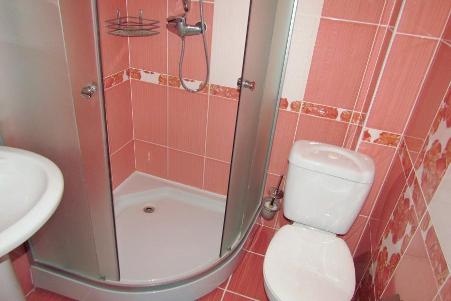 Туалетная комната Стандартного номера в Корпусе Парк гостиницы Ассоль