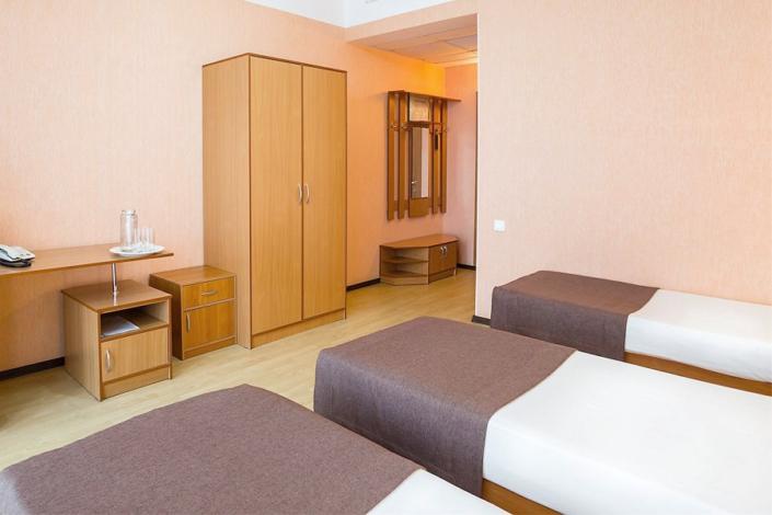 Комфорт трехместный с раздельными кроватями отеля Атлантида