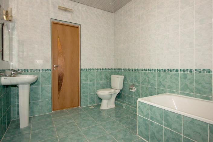 Туалетная комната номера Полулюкс отеля Атлантида