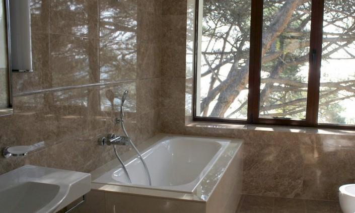 Ванная комната в номере Люкс Спального корпуса санатория Авангард