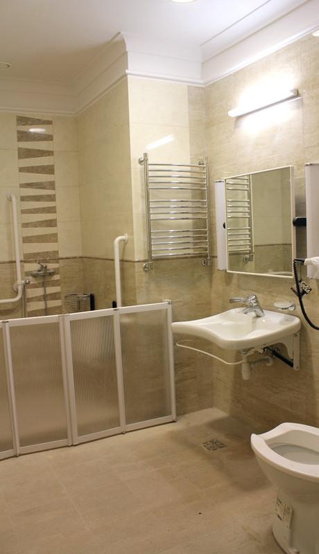 Туалетная комната в номере санатория Авангард