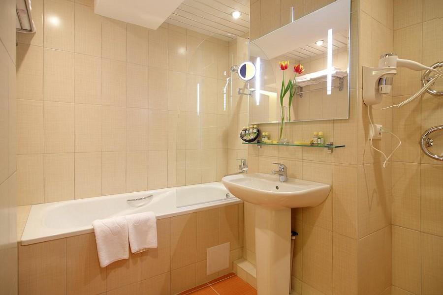 Туалетная комната номера Люкс Панорама в пансионате Автомобилист, Сочи
