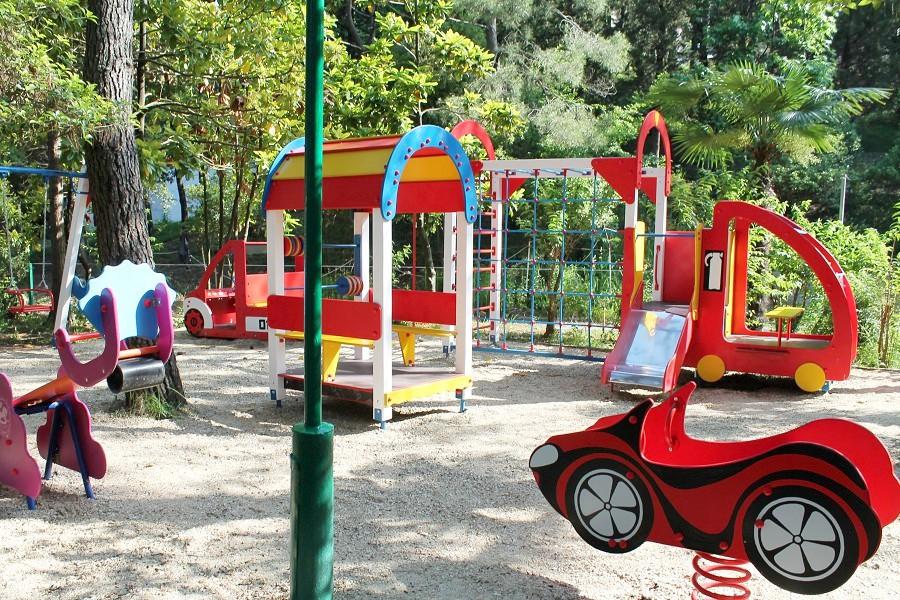Детская площадка на территории пансионата Автомобилист, Сочи