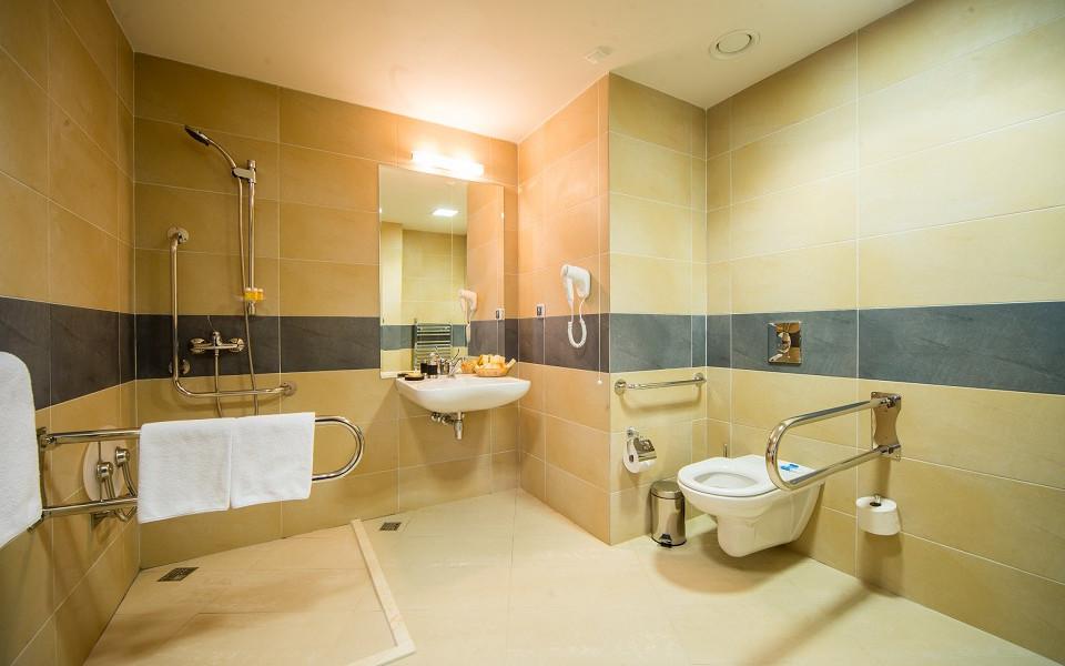 Туалетная комната номера Студио Azimut Hotel Freestyle Rosa Khutor