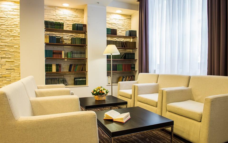 Библиотека Azimut Hotel Freestyle Rosa Khutor