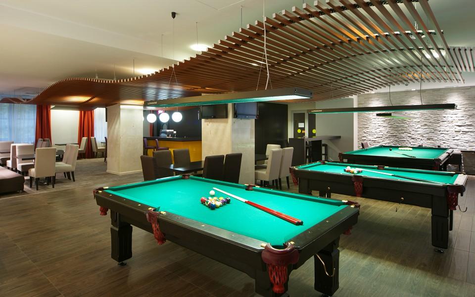 Бильярдный зал Azimut Hotel Freestyle Rosa Khutor