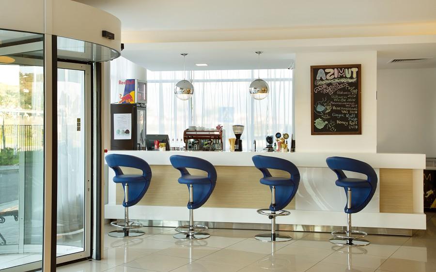 Лобби-бар в Корпусе №10 Azimut Hotel Sochi