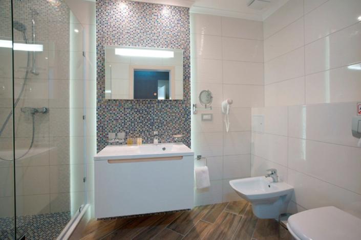 Туалетная комната номера Делюкс Плюс отеля Багатель