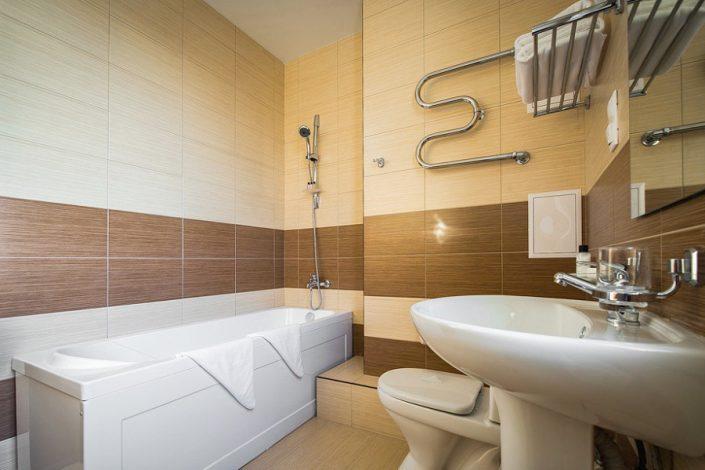 Туалетная комната номера Комфорт отеля Бархатные Сезоны