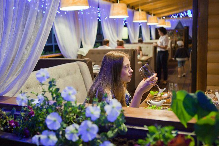 Кафе на набережной отеля Бархатные Сезоны