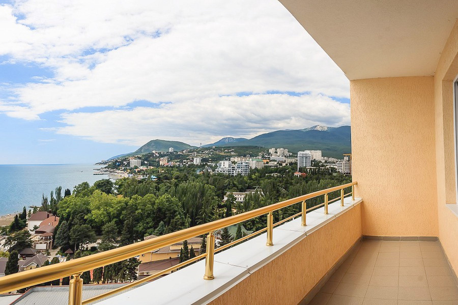 Вид с балкона одного из Семейных номеров отеля Бартон Парк