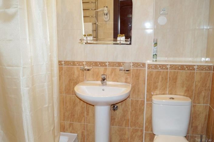 Туалетная комната номера Люкс в Корпусе № 4 комплекса отдыха Беларусь