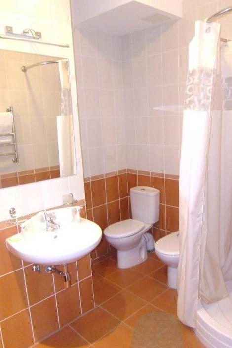 Туалетная комната номера Люкс в Корпусе № 5 комплекса отдыха Беларусь
