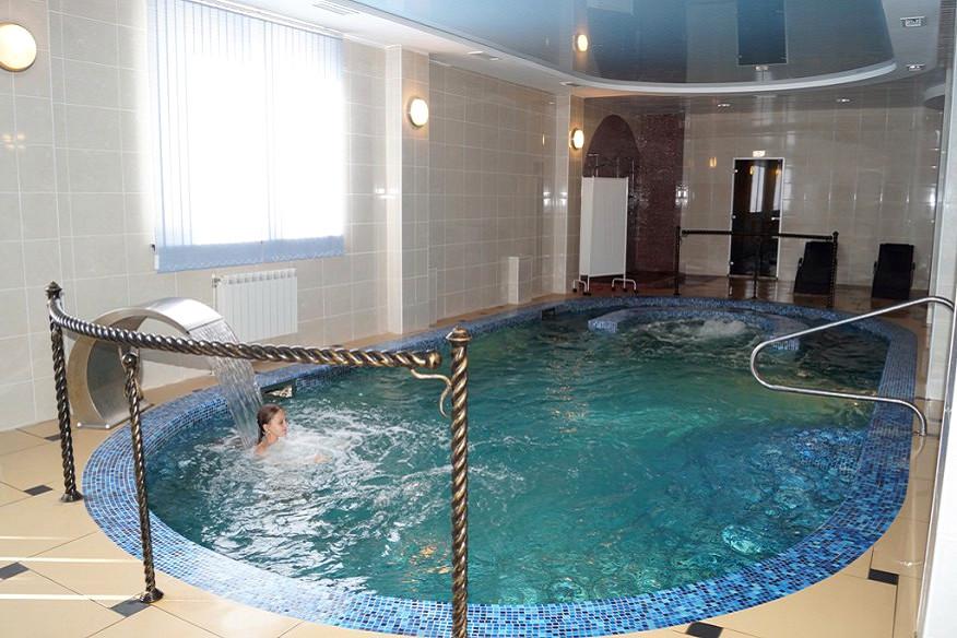 Бассейн комплекса отдыха Беларусь