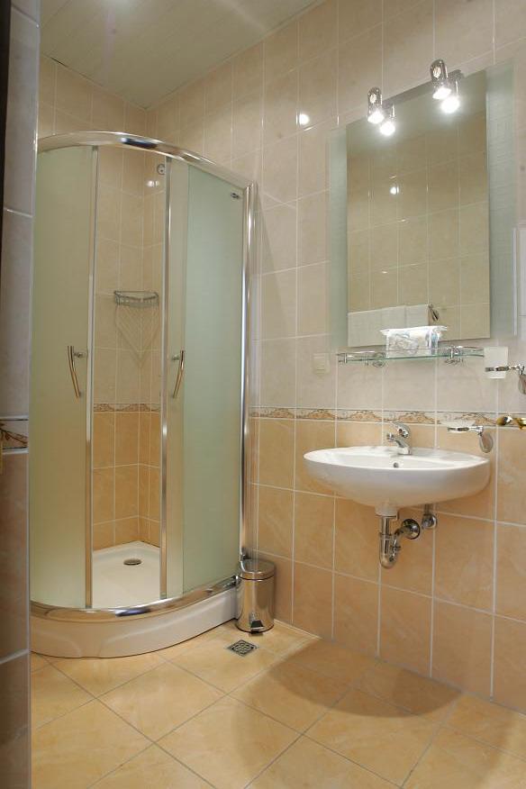 Туалетная комната одноместного номера в Главном корпусе санатория Беларусь