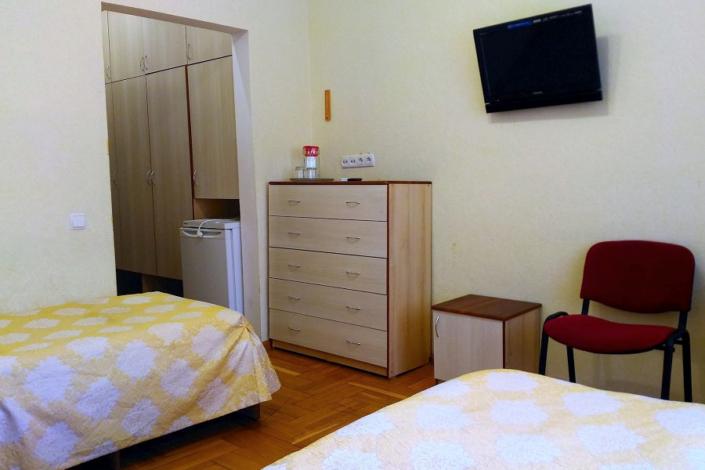 Стандарт однокомнатный номер в Корпусе № 4 санатория Белоруссия