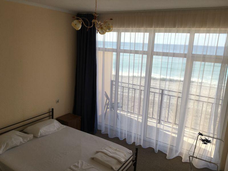 Номер в пляжном корпусе гостиницы Белые Скалы