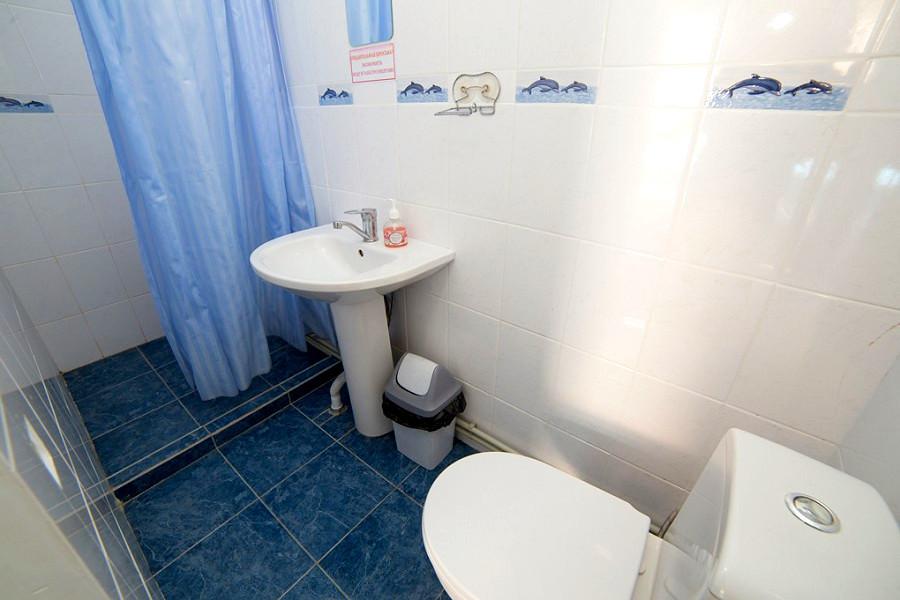 Туалетная комната номера Полулюкс двухместный гостиницы Белые скалы