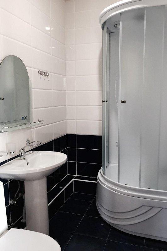 Туалетная комната Улучшенного номера гостевого дома Белый, Псырдзха, Новый Афон, Абхазия