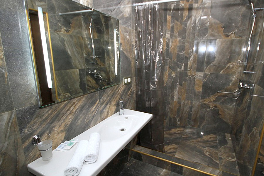 Туалетная комната номера Супериор в Корпусе 1 отеля Берег эвкалиптов