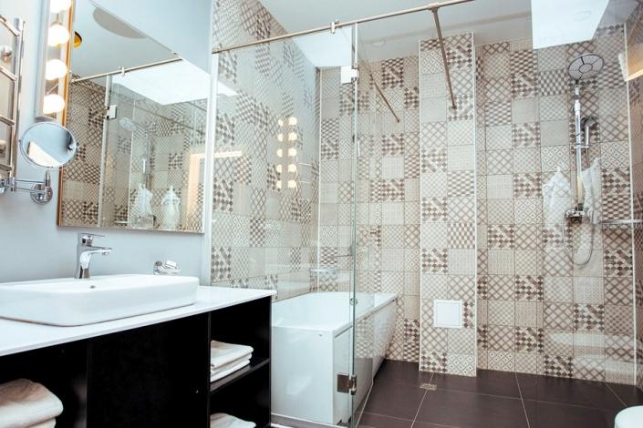 Туалетная комната номера Джуниор Сюит SV-1 отеля Beton Brut
