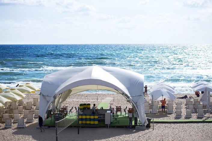 Пляж отеля Beton Brut