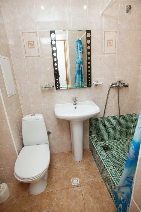 Туалетная комната номера Стандарт санатория Бирюза