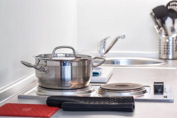 Кухня двухкомнатного апартамента апарт-теля Бревис
