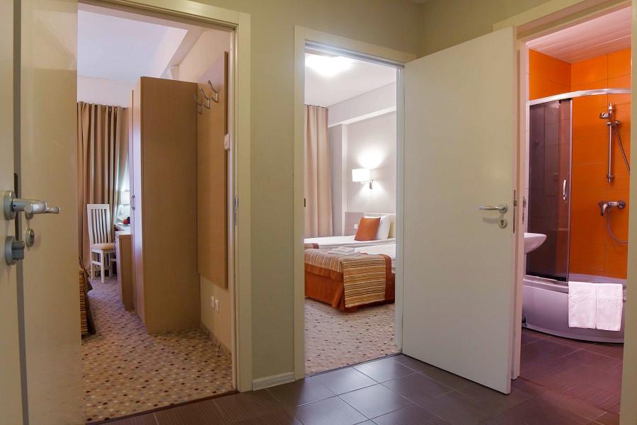 Семейный двухкомнатный номер отеля Bridge Family, Сочи, Имеретинский курорт